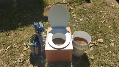 Weepee kit (indoor composting urinal)